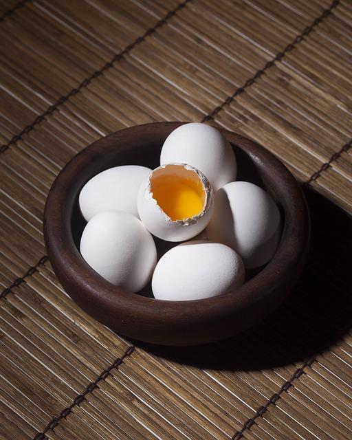 eggs-918437_640