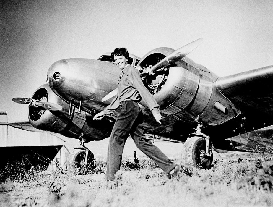 Earhart_and_electra.jpeg