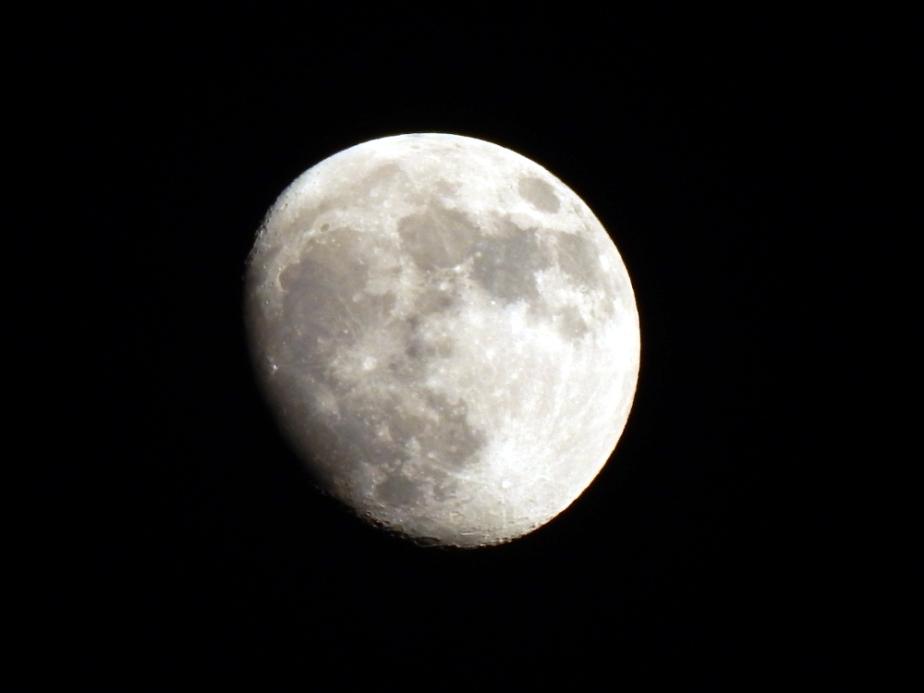 Another happy moonpic